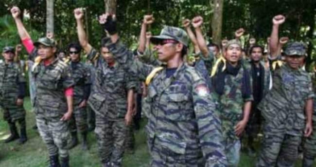 Filipinler'de MORO silah bırakıyor