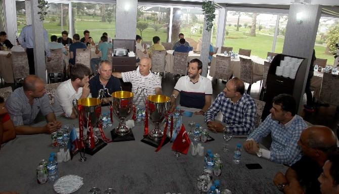 Trabzonspor'da Altyapı Takımlarına Barbekü Partisi