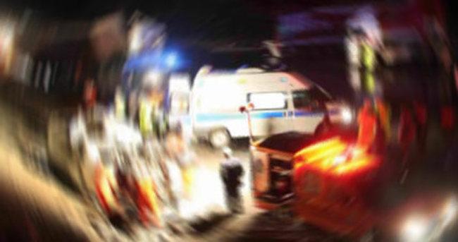 Minibüs yakıt pompasına çarptı