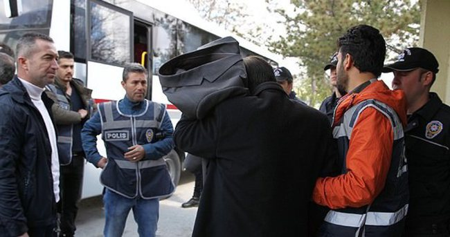 KPSS soruşturmasında 13 öğretmen, 2 TRT çalışanı gözaltında