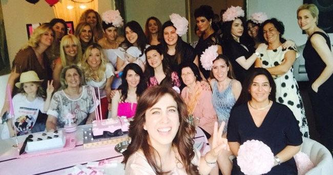 Nefise Karatay'ın 'baby shower' partisine ünlüler akın etti