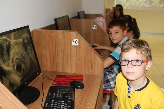 Alanya Belediyesi'nden Öğrencilere Bilgisayar Kursu