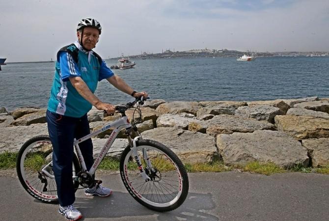 Cumhurbaşkanı Erdoğan Bisikletini ÇAYKUR Rizespor'a Hediye Etti