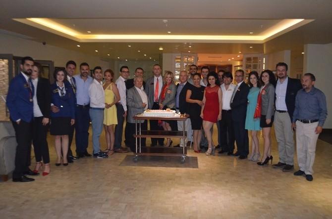 Didim'de Rotary Ve Rotaractlarda Devir Teslim Töreni Yapıldı