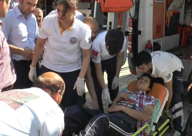 Elazığ'da Bir Çocuğun Eli Asansöre Sıkıştı