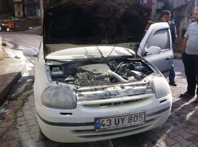 Hisarcık'ta Seyir Halindeki Otomobilde Yangın