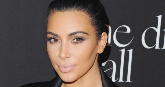 Kim Kardashian'ın güzellik sırrı 'saten yüz'