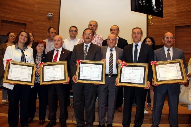 AK Parti Kayseri Milletvekilleri Mazbatalarını Aldı