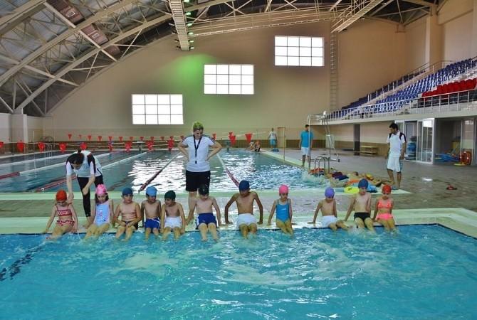 6-12 Yaş Çocuklar Yüzme Öğreniyor