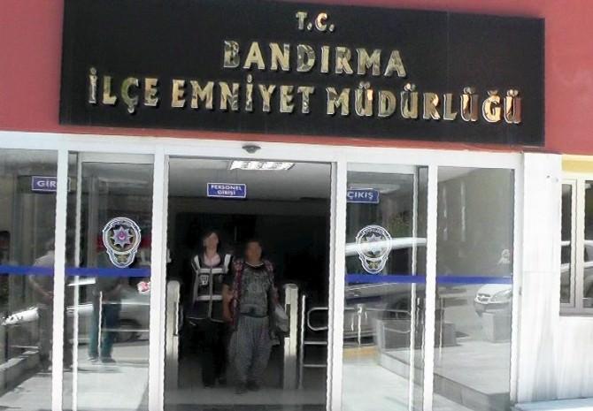 Balıkesir'de Evlerinin Önünde Uyuşturucu Satan Kardeşler Tutuklandı
