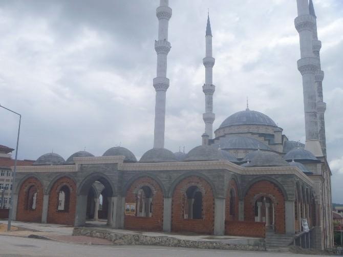 Kayı Boyu Camii'nde İnşaat Çalışmalar Devam Ediyor