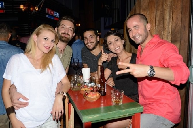 Karpuz Bar İkinci Yılını Kutladı