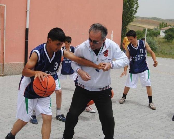 (Özel Haber) Kırıkkale'li Basketçi Guinness İçin Hazırlanıyor