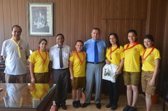Kıbrıslı İzciler İl Milli Eğitim Müdürü Koca'yı Ziyaret Etti