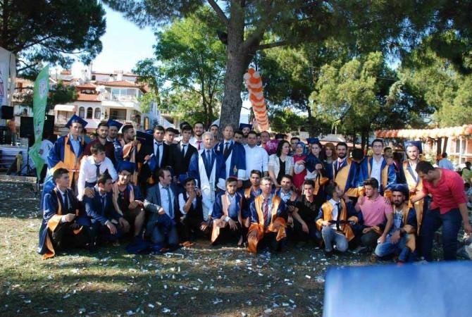 Köyceğiz'de Portakallı Mezuniyet Kutlaması