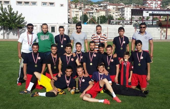 Nevşehir Hacı Bektaş Veli Üniversitesi Futbol Takımı Şampiyon