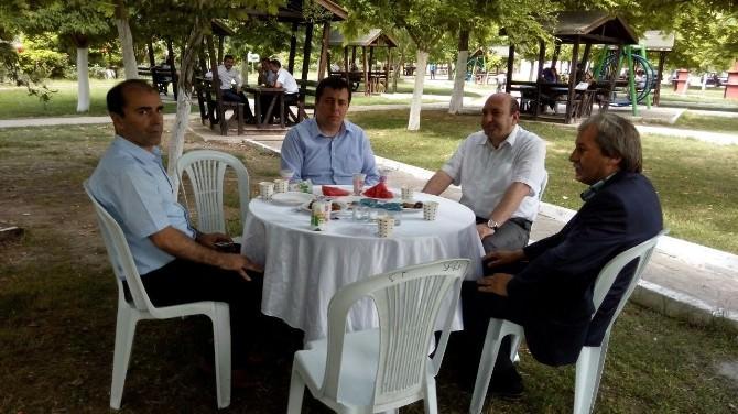 Osmaneli'deki Öğretmenlere Sakarya Nehri Kenarında Yıl Sonu Yemeği