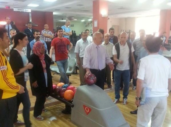 Palandöken Kaymakamlığı Bowling Turnuvası Düzenledi