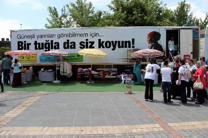 LÖSEV İyilikler Tır'ı Kayseri'de