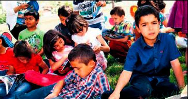 Çocuklara kitap sevgisi aşılanıyor
