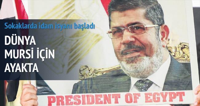 Dünya Mursi için ayakta