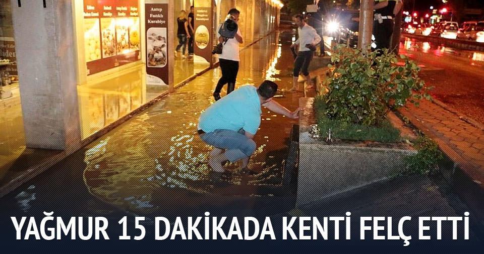 15 dakikalık yağış kenti felç etti