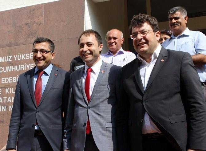 Çanakkale'de MHP Ve CHP'li Milletvekilleri Mazbatalarını Aldı