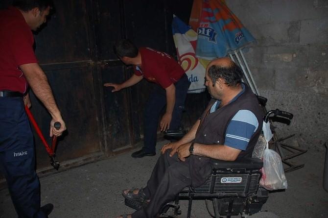 Engelli Vatandaş Tarihi Tuz Hanı'nda Mahsur Kaldı