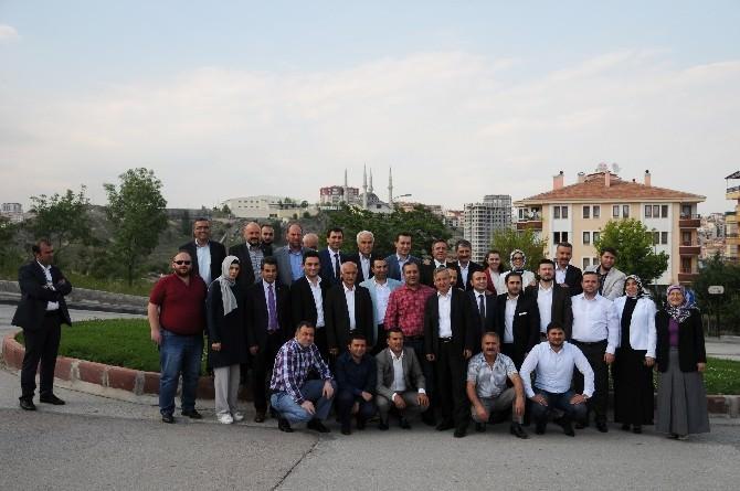 AK Partili Vekiller Pursaklar'ı Selamladı