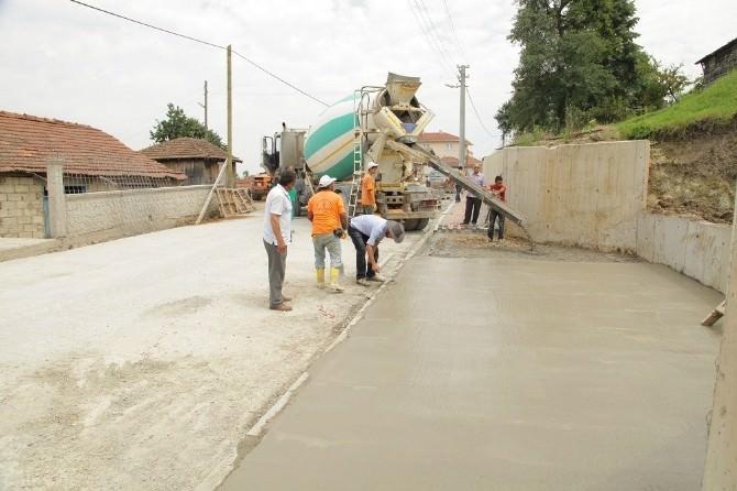 Başiskele'de Beton Yol Çalışmaları Devam Ediyor