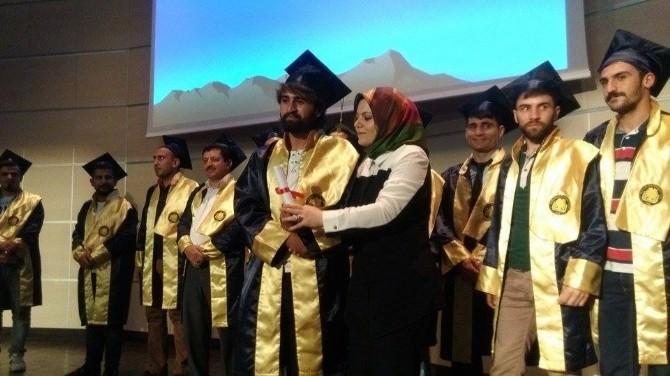 Silvan Meslek Yüksekokulu Öğrencileri İçin Mezuniyet Töreni