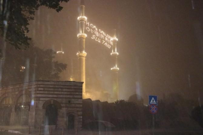 Edirne'de Sağanak Hayatı Felç Etti
