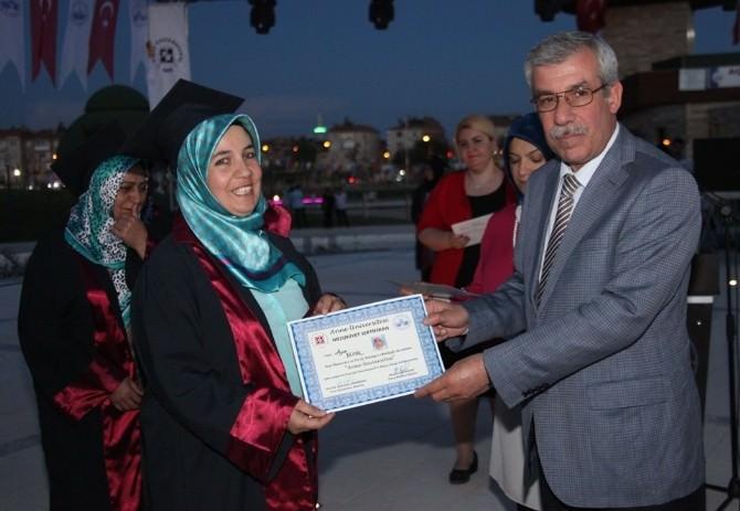 Türkiye'nin 5. Anne Üniversitesi İkinci Kez Mezunlarını Verdi