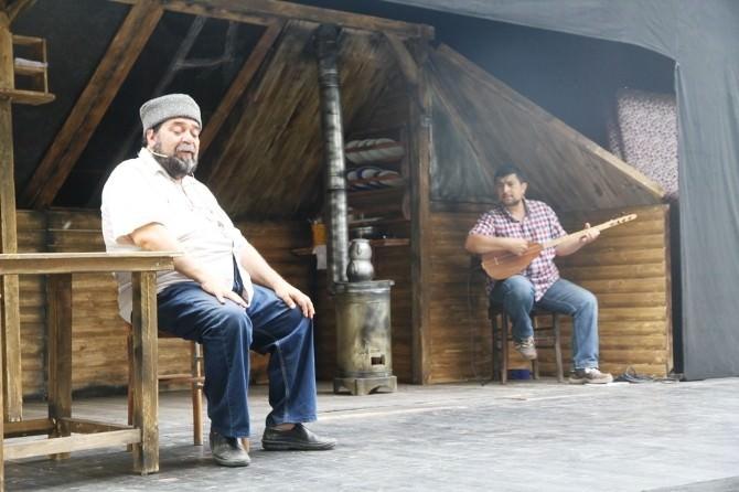 Tır Tiyatrosu Ramazan'da İlçeleri Dolaşacak