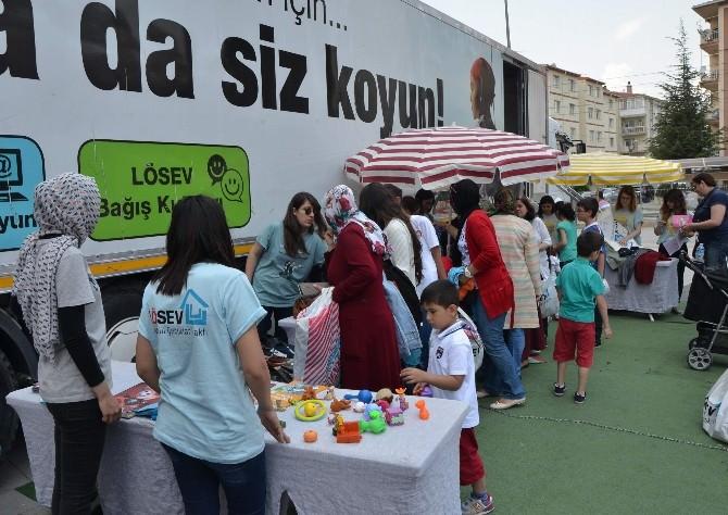 LÖSEV İyilik Tırı Eskişehir'de