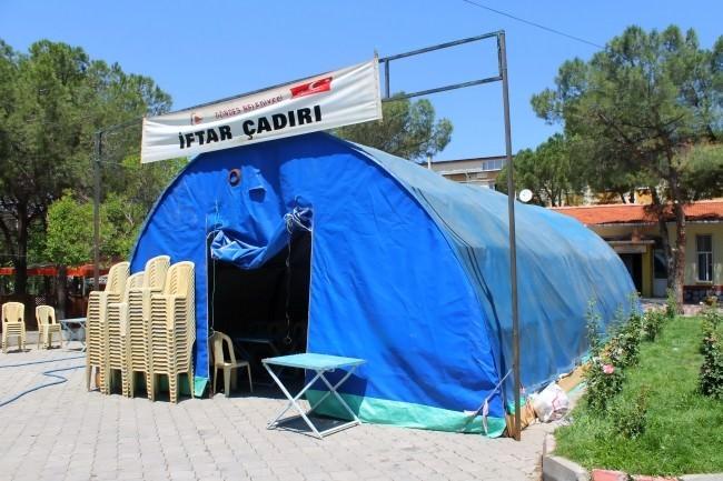Gördes'te İftar Çadırı Kuruldu