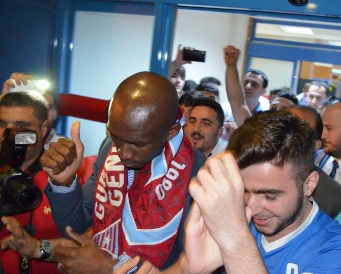 Trabzonspor'un Yeni Transferi Stephane M'bia Trabzon'a Geldi