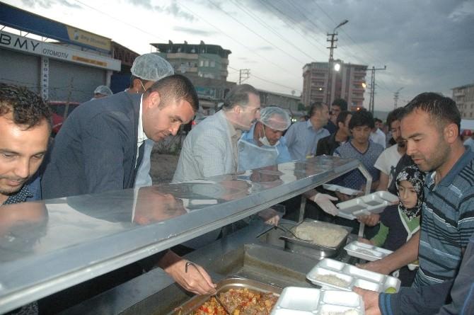 Şehr-i Tuşba'da Şehr-i Ramazan İftar Çadırı
