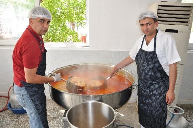 Elbistan'da Günde 20 Bin Kişiye Sıcak Yemek Dağıtılacak