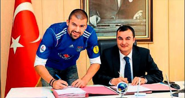 Raspopovic'ten 3 yıllık imza