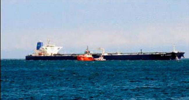 Karaya oturan tanker korkuttu