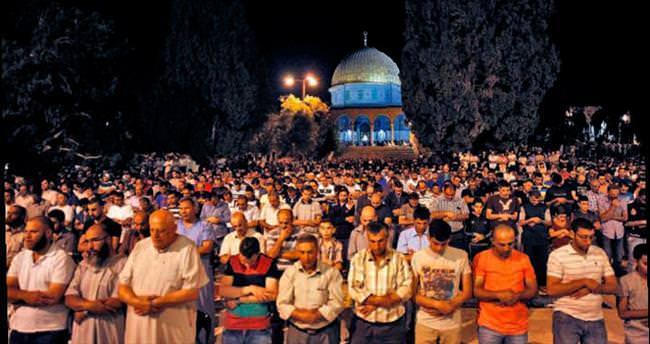 Dünya Müslümanları, böyle karşıladı