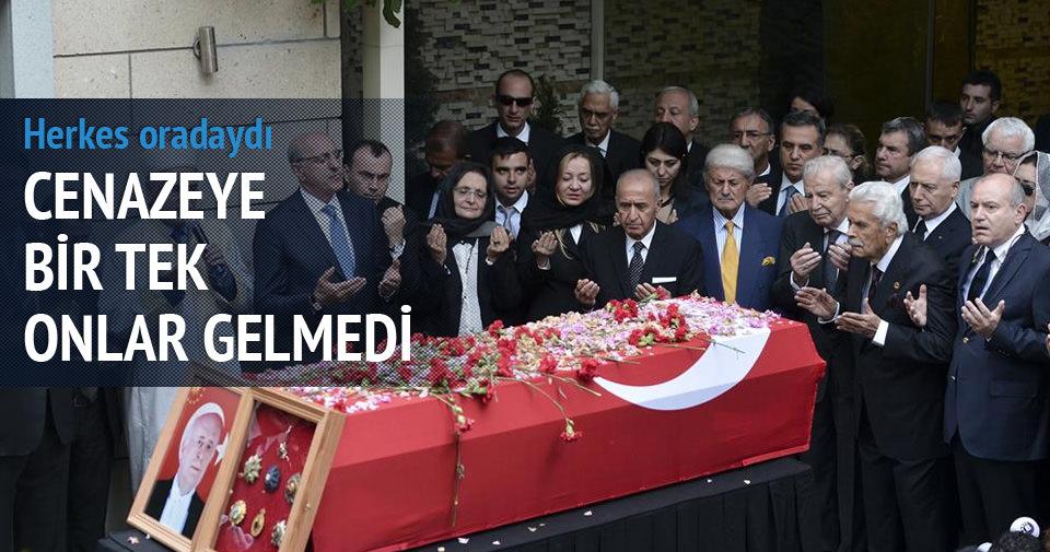 Cenazeye bir tek onlar gelmedi