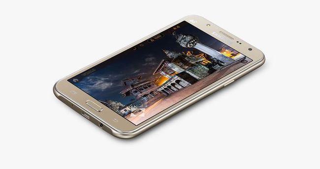 Samsung'tan ön LED flaşlı telefonlar
