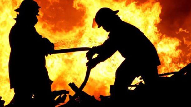 Hindistan'da otel yangını: 10 ölü