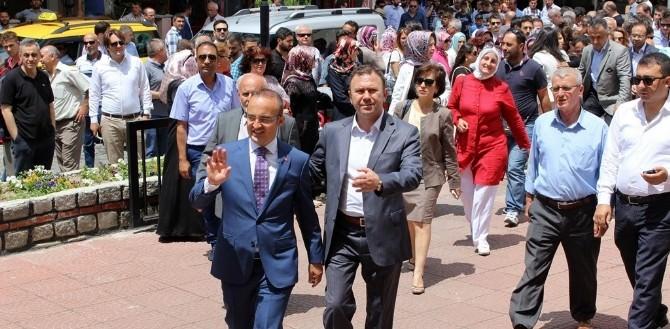 AK Parti Milletvekili Bülent Turan Mazbatasını Aldı