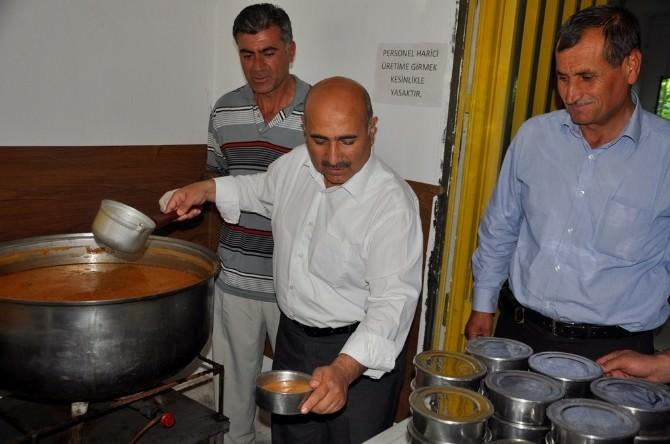 Bayat Belediyesi'nden 350 Aileye Sıcak Yemek