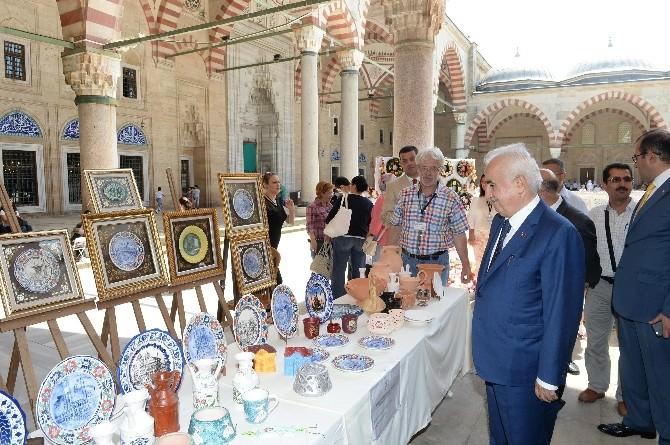 Selimiye Camii Bahçesinde Yıl Sonu Sergisi Açıldı