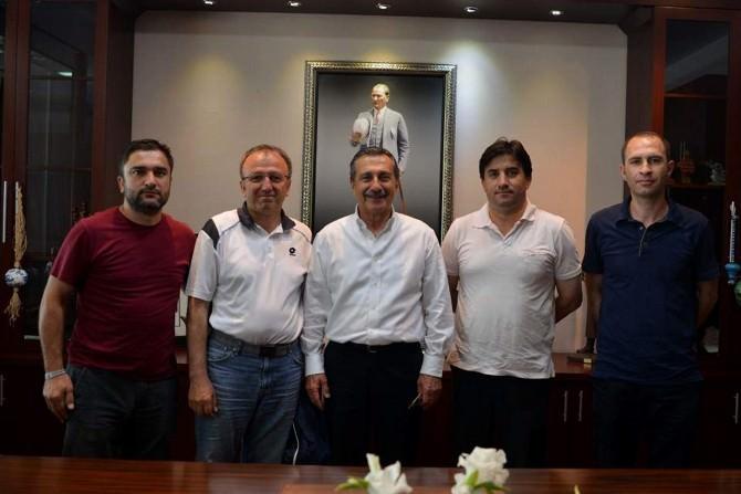 İsten Çıkartılan Eylemci İşçiler Başkan Ataç'ı Ziyaret Etti