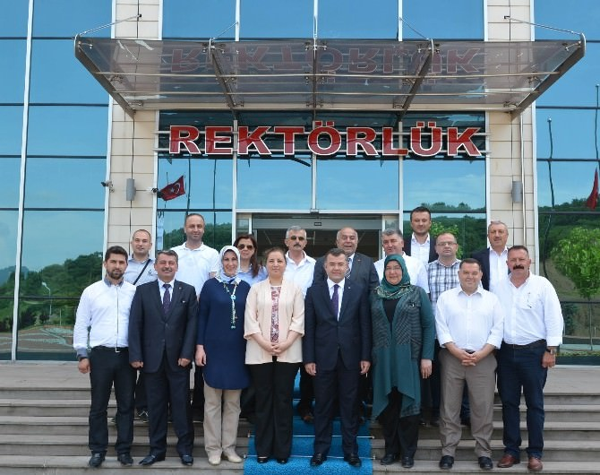 AK Parti'den Rektör'e Ziyaret